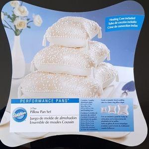3/$75 NWOT Wilton pillow pan set